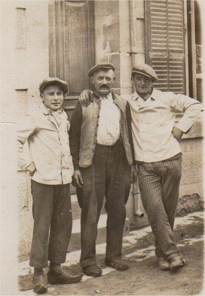 CHILOT Charles-Robert et un commis boucher 1949