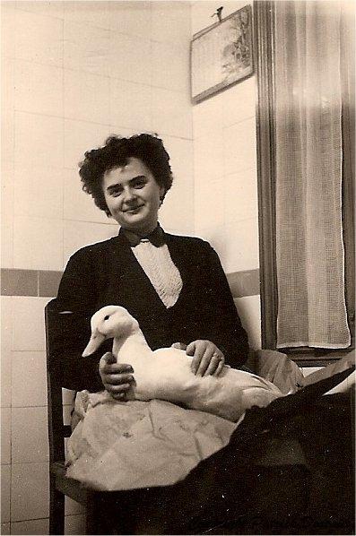 Vallois-Bernadette-1946_GF