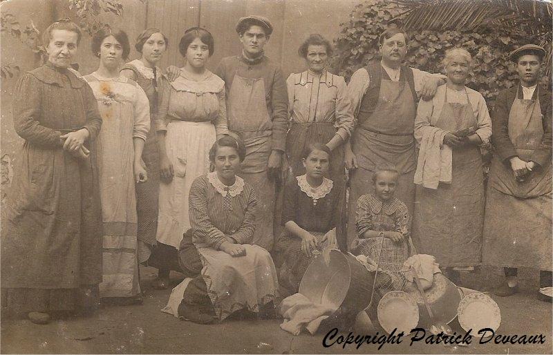 Jouron-Clemence-ses-enfants-Henri-Louise-Fernande-Ernestine-1922_GF
